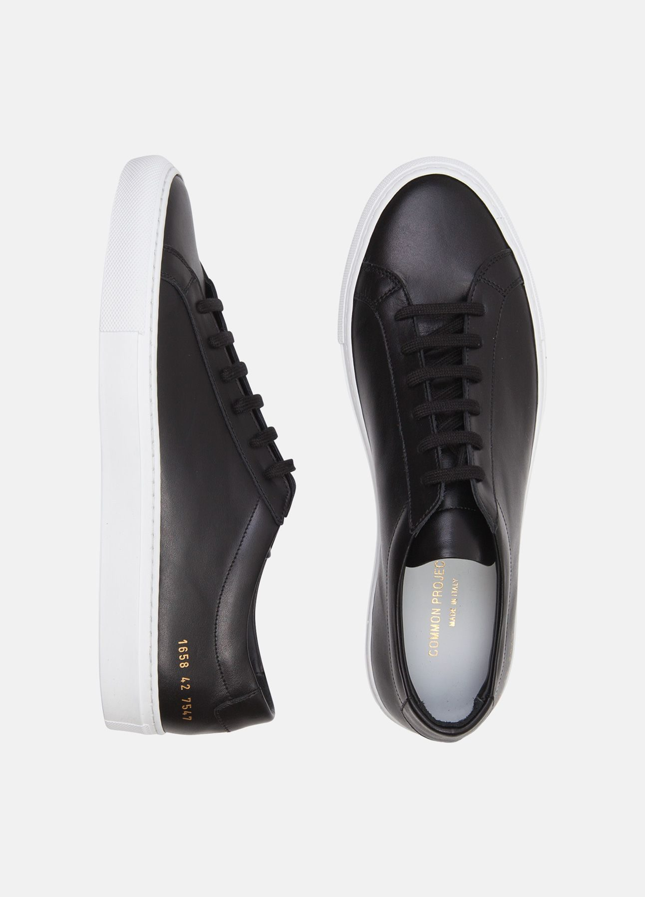 Sorte sneakers fra Common Projects