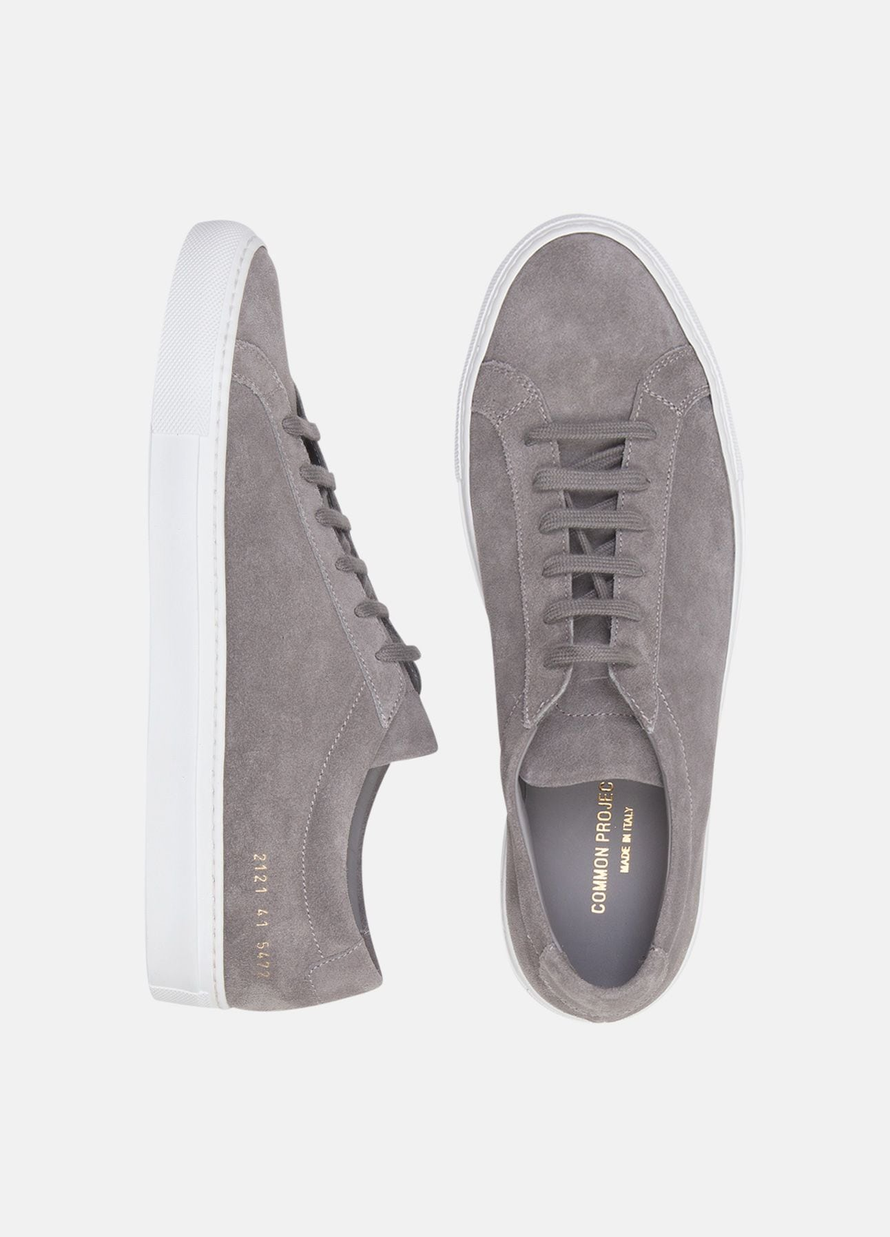 Grå sneakers fra Common Projects