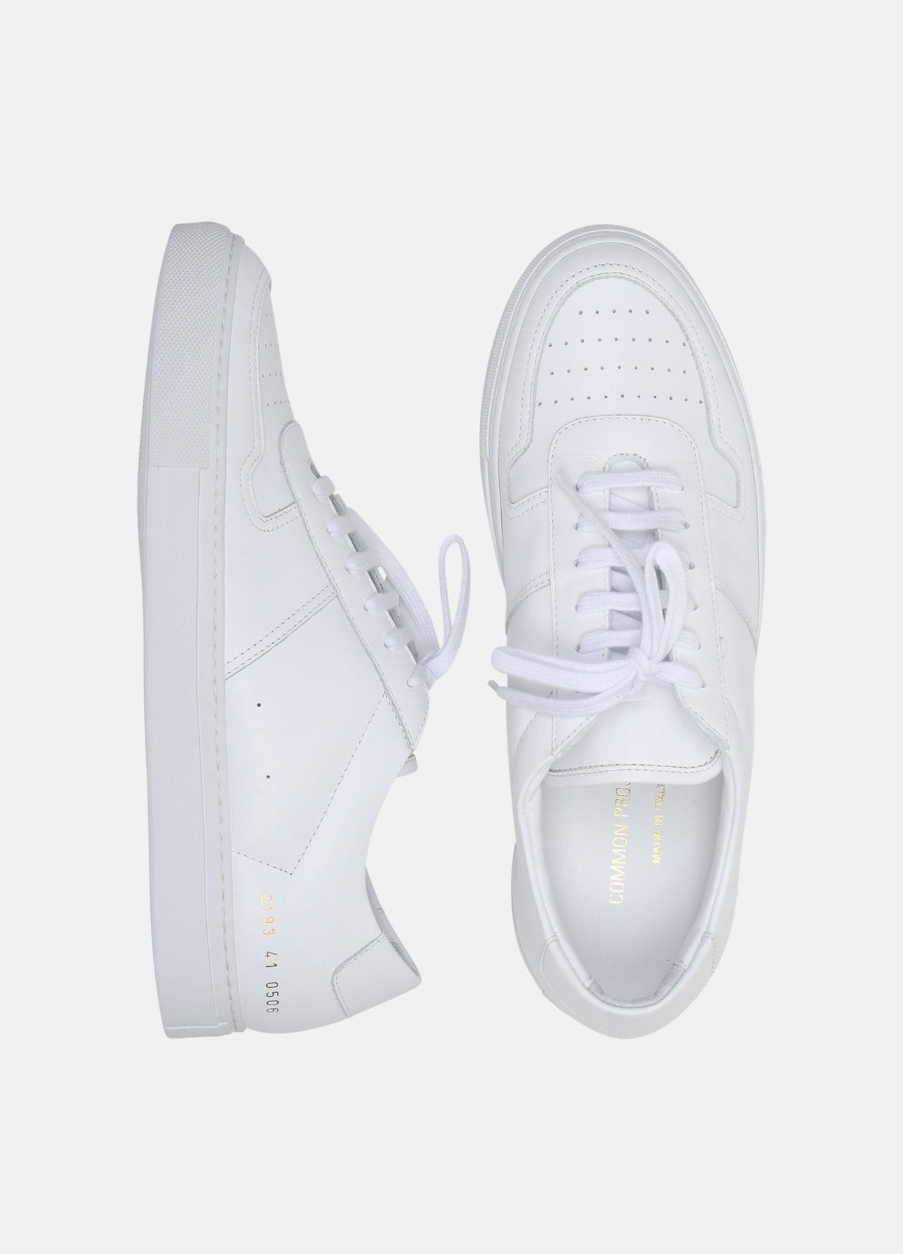 hvid b ball low sneakers fra common projects
