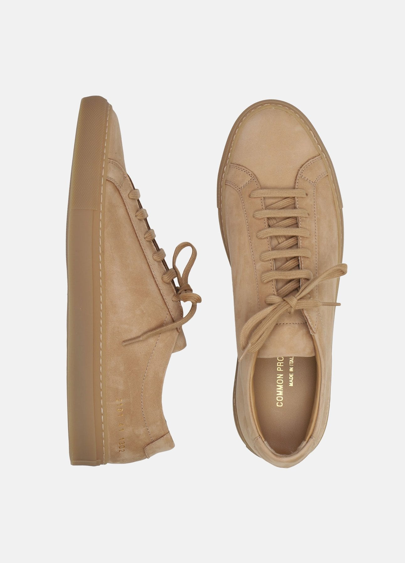 camel original achilles low sneakers i nubuck fra common projects